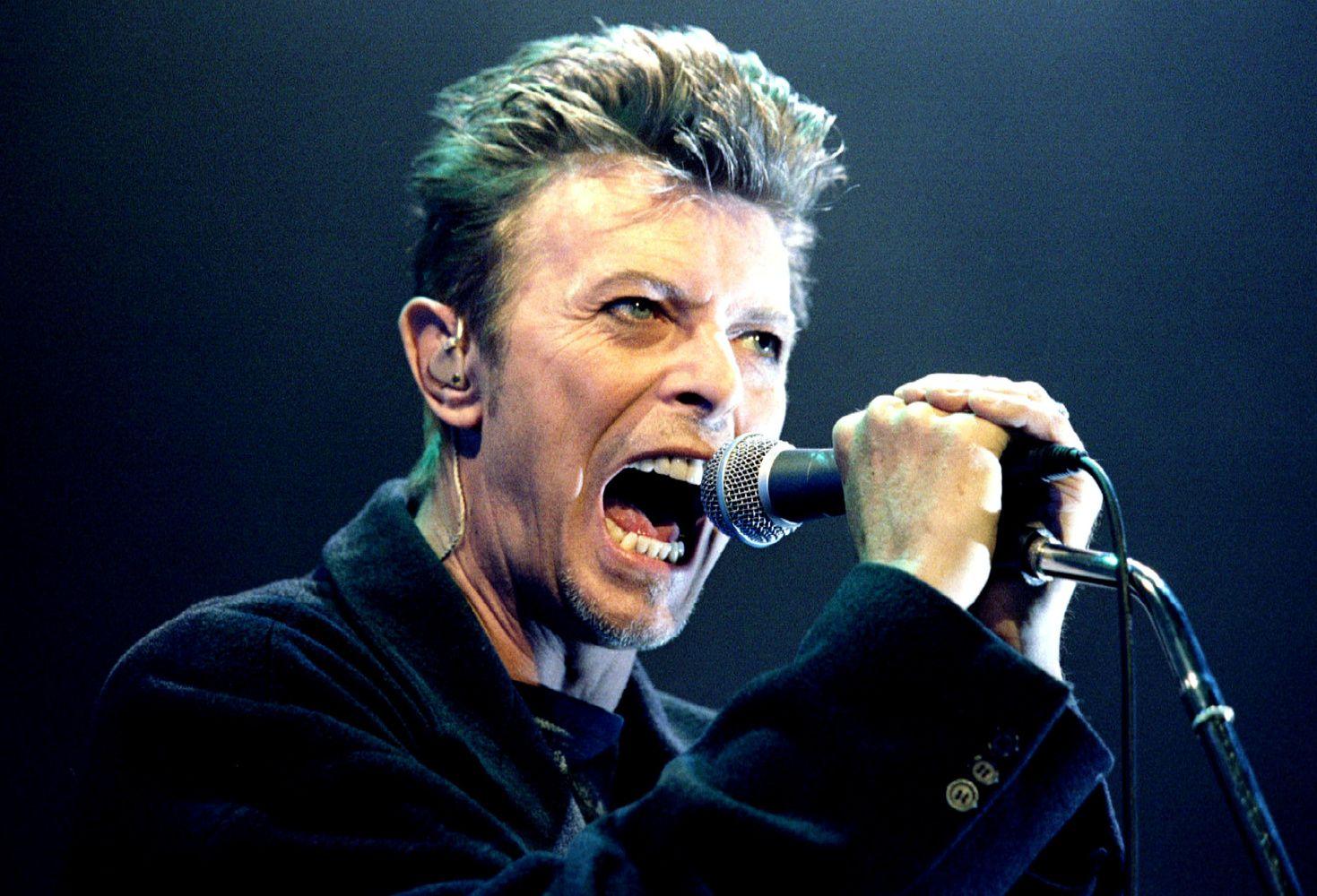 Atrasta juosta su 16-mečio Davido Bowie įrašu atsidurs aukcione