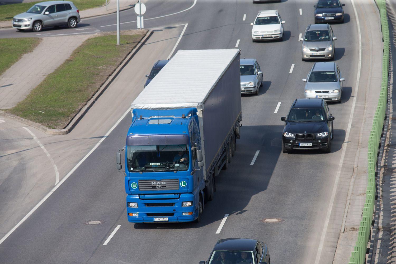 Taršos mažinimo plane – ir 0% PVM naujiems automobiliams, ir subsidijos