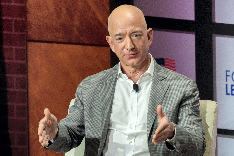 """""""Amazon"""" paskelbė rekordinį ketvirčio pelną"""