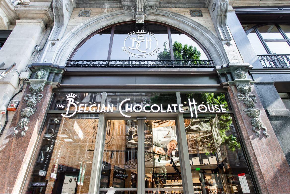Šokolado prekybos lyderė keičia parduotuvių išdėstymo strategiją