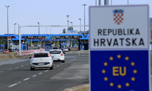 Nepaisant kaimynės protestų, Kroatija pradėjo tilto Adrijoje statybas