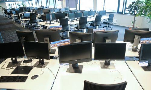 Paradoksas: atviri biurai naikina gyvą bendravimą