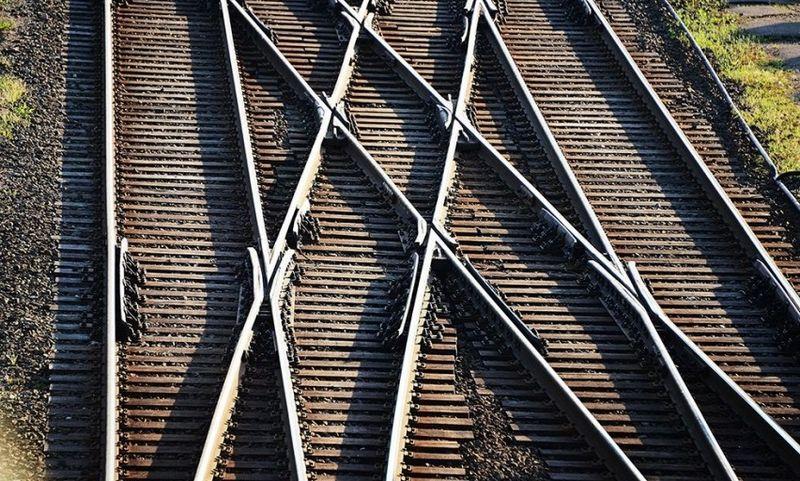"""Kuriama """"eLTSA"""" suvienys geležinkelių ir kelių elektroninių paslaugų teikimo duomenis. Susisiekimo ministerijos nuotr."""
