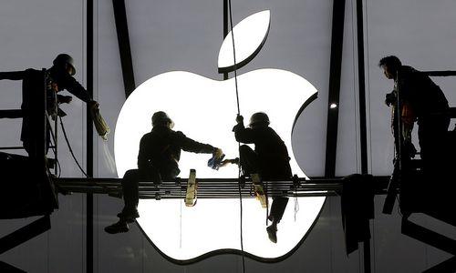 """""""Apple"""" rezultatai lenkia lūkesčius, naujas """"iPhone"""" – jau rugsėjį"""