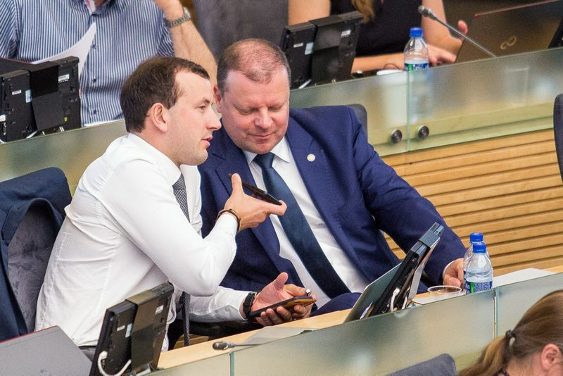 """Ūkio ministras Virginijus Sinkevičius ir premjeras Saulius Skvernelis. Luko Balandžio (""""15min."""") nuotr."""