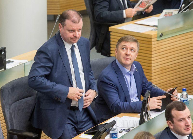 Saulius Skvernelis ir Ramūnas Karbauskis. Juditos Grigelytės (VŽ) nuotr.