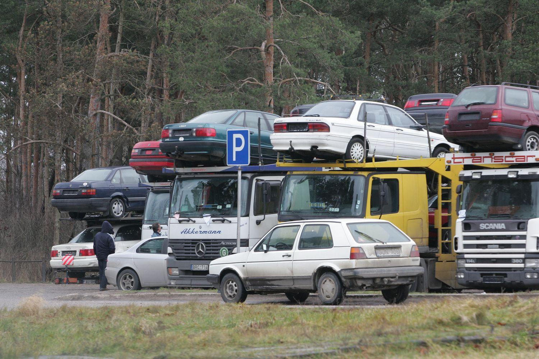 Skvernelis žada rudenį apsispręsti dėl taršių automobilių apmokestinimo