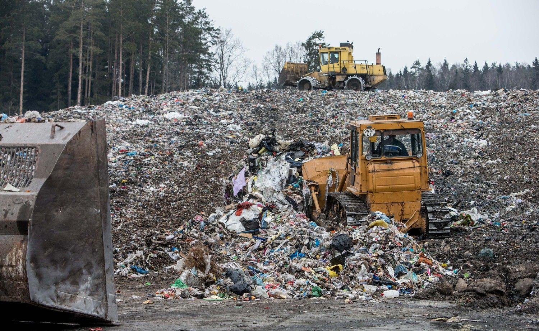 Atliekų tvarkymo centrai stiprėja: pajamas kėlė ir sąvartyno mokestis