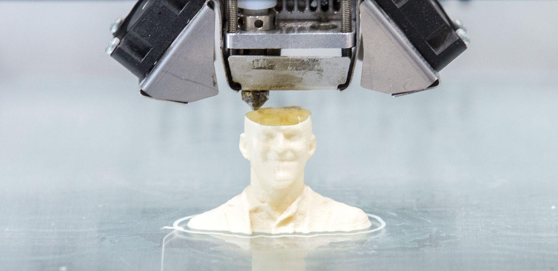 "Ambicingas projektas: ""3D Creative"" kuria 3D technologiją kaulo regeneracijai"
