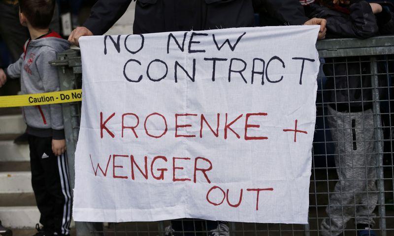 """Stanas Kroenke įtinka ne visiems """"Arsenal"""" gerbėjams. """"Reuters"""" / """"Scanpix"""" nuotr."""