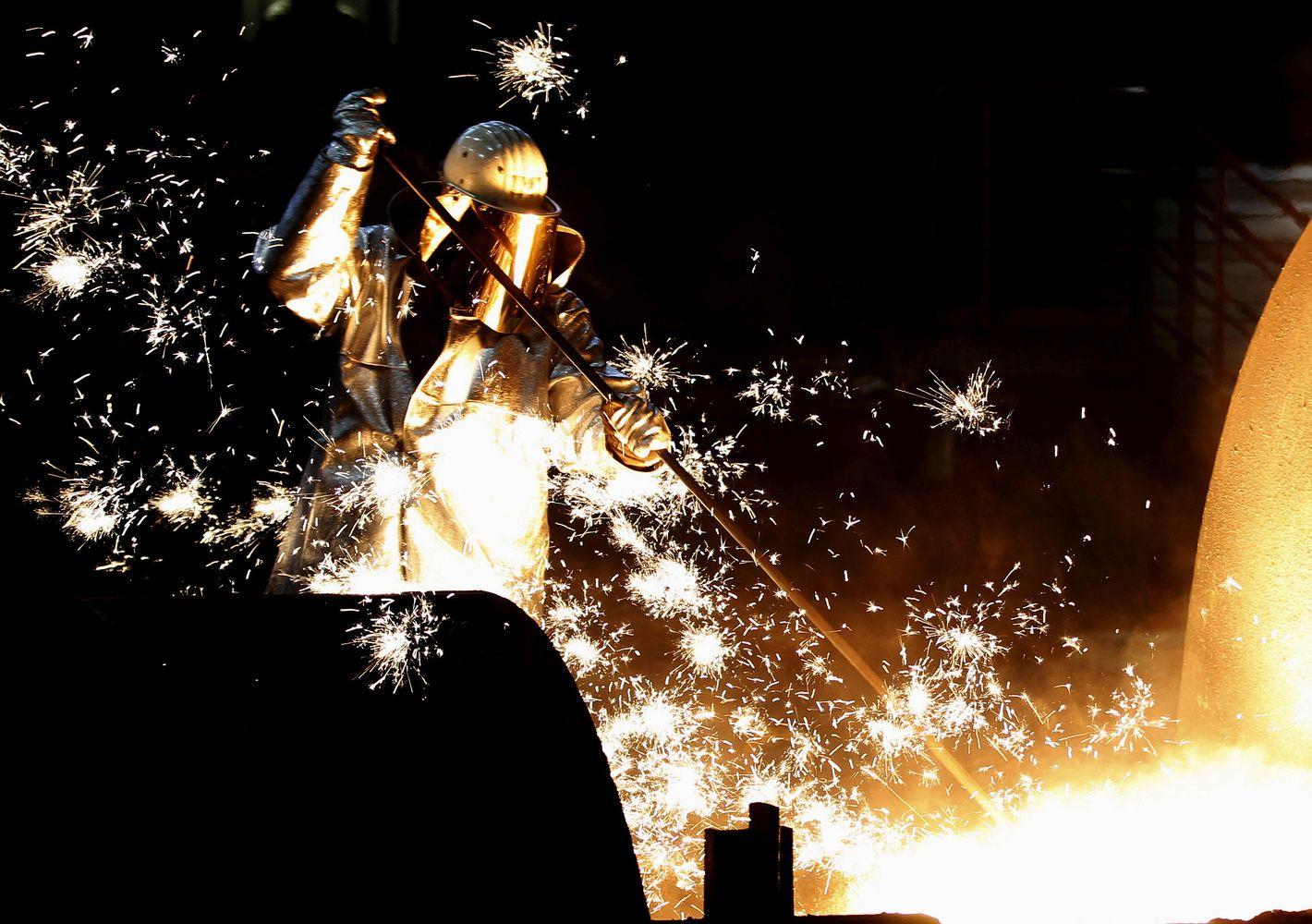 Vokietijos pramonės užsakymai smuktelėjo į pusantrų metų nematytas žemumas