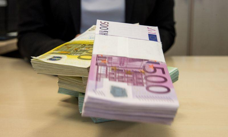 Minimalią mėnesio algą Lietuvoje gauna apie šimtą tūkstančių nekvalifikuotų dirbančiųjų. Juditos Grigelytės (VŽ) nuotr.
