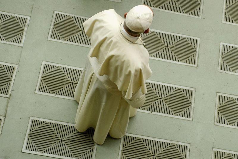 """Popiežius Pranciškus Vatikane, audiencijų salėje, 2018 m. liepos 8 d. Pierpaolo Scavuzzo/AGF/SIPA/""""Scanpix"""" nuotr."""