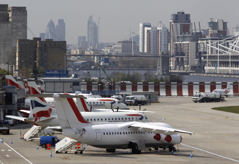 Bendrovės viliojamos kompensacijomis skrydžiams į Londono Sitį