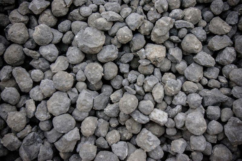 Cemento žaliava klinkeris. Vladimiro Ivanovo nuotr.