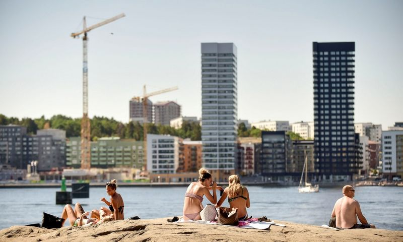 """Karščiai Stokholme. """"Reuters""""/""""Scanpix"""" nuotr."""
