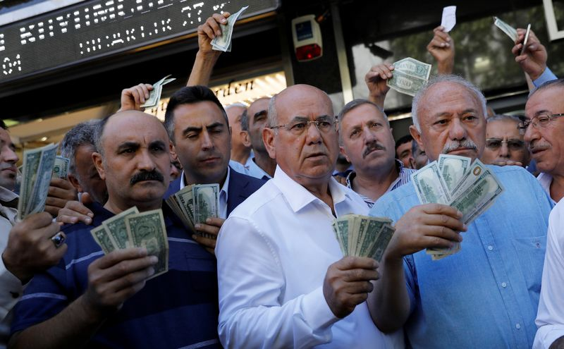 """Umit Bektas (""""Reuters"""" / """"Scanpix"""") nuotr."""