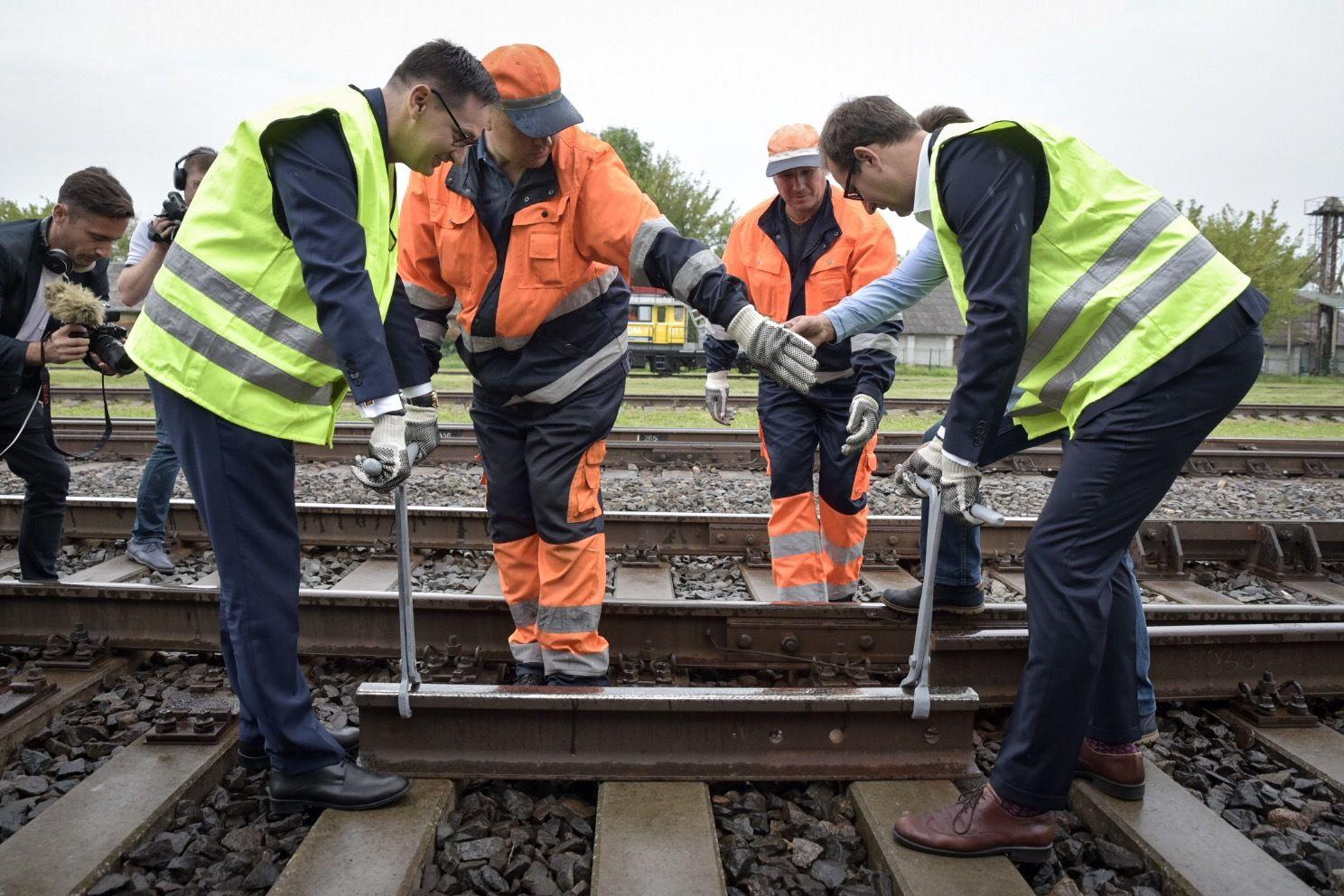"""Orlen Lietuva"" geležinkeliais gabens krovinius Lenkijos kryptimi"