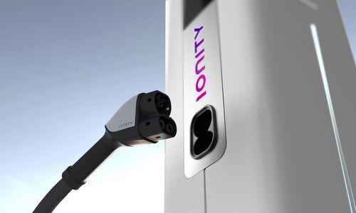 """Europinis elektromobilių įkrovimo tinklas """"Ionity"""" atėjo į Lietuvą"""