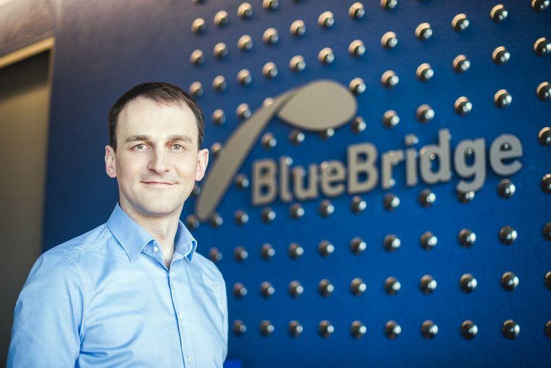 "Artūras Šriupša UAB ""Blue Bridge Bond"" direktorius."