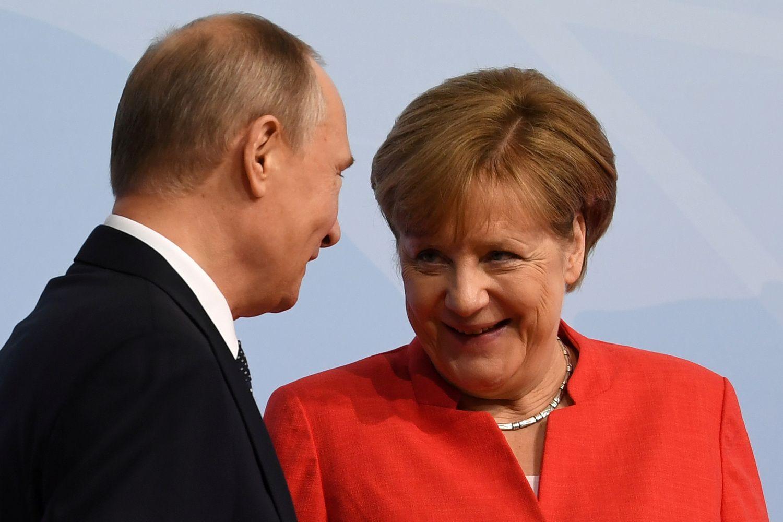 Merkel susitiks su Putinu