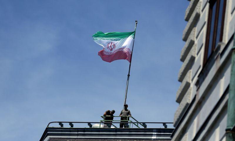 "Irano vėliava. Lisi Niesner (""Reuters"" / ""Scanpix"") nuotr."