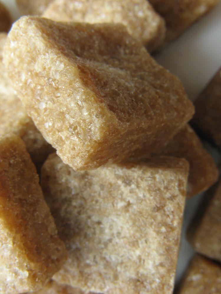 Nelegaliai aliejų ir cukrų gabenusi grupuotė nuslėpė 0,2 mln. Eur PVM