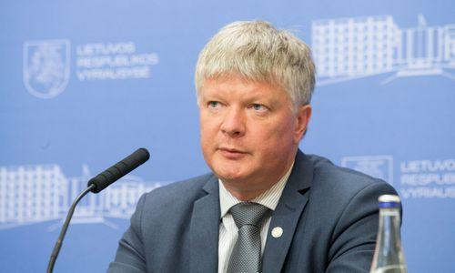 Vėl nepasitikima tik ką interpeliaciją atlaikiusiu aplinkos ministru