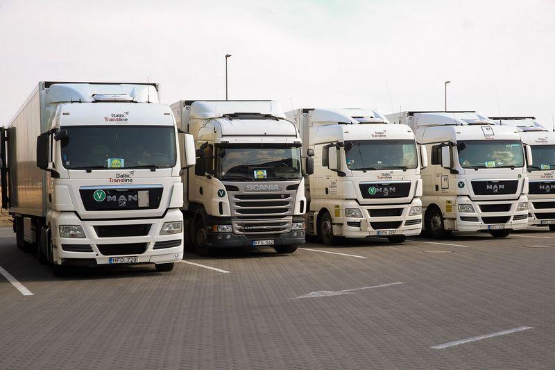 Visų transporto rūšių tarpe didžiausią augimą pasiekė vežėjai keliais. Vladimiro Ivanovo (VŽ) nuotr.
