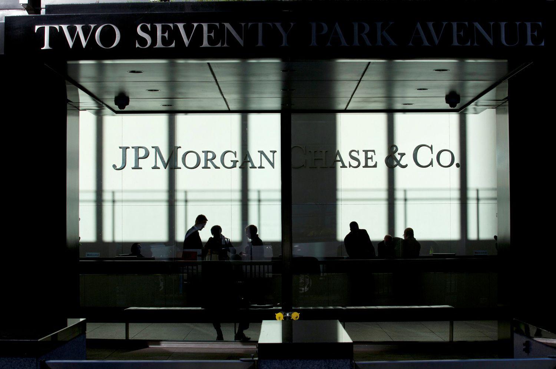 """""""JP Morgan"""" ruošiasi supurtyti investavimo paslaugų rinką su nauju įrankiu"""