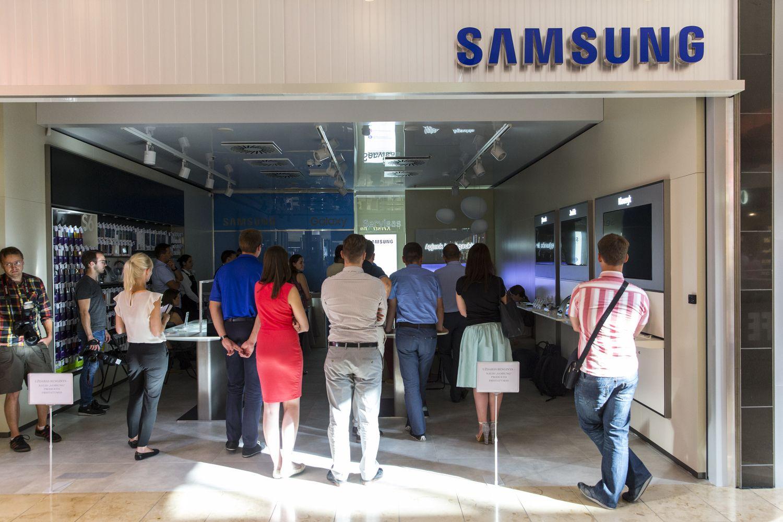 """""""Samsung"""" stiprina prekybos pozicijas Lietuvoje, atidaro dar vieną parduotuvę"""