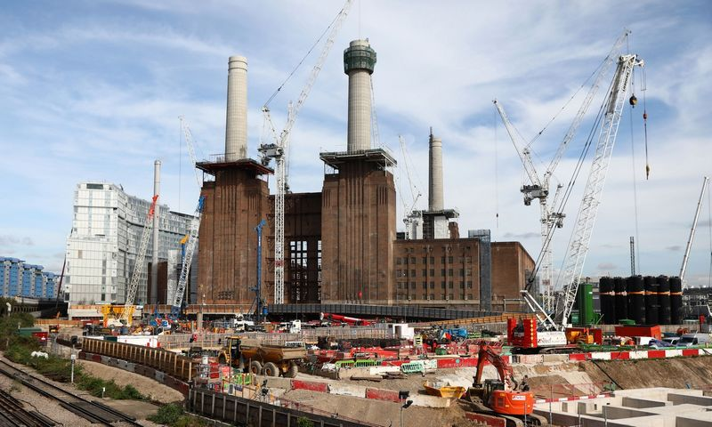"""Battersea Power Station"" projektas Londone. Neilo Hallo (""Reuters"" / ""Scanpix"") nuotr."