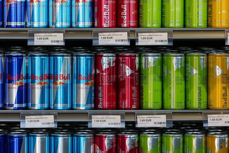 Suomija svarsto apmokestinti energetinius gėrimus