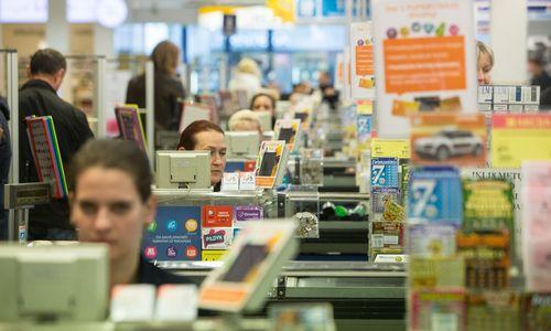 Statistika: prekybininkų apyvartos išlaiko augimą