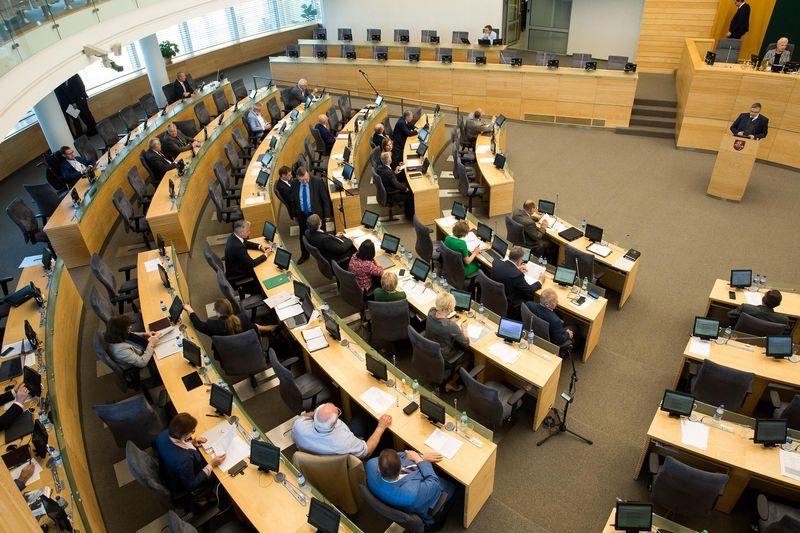 Prasidėjus rudens sesijai Seimo valdančiosios koalicijos pusė pagausės narių. Vladimiro Ivanovo (VŽ) nuotr.