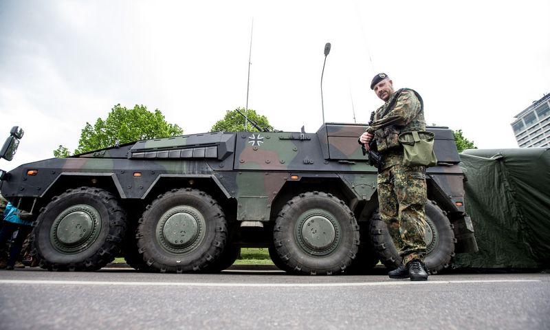 Iki 2022-ųjų daugiausiai krašto apsaugai skiriamų lėšų numatoma panaudoti modernizuojant ginkluotę ir investuojant į infrastruktūrą. Juditos Grigelytės (VŽ) nuotr.
