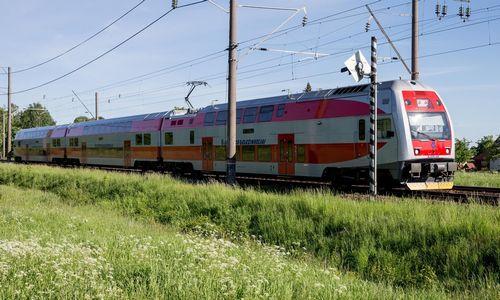 Nepopuliarius traukinių maršrutus ketinama keisti autobusais