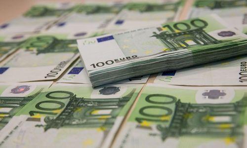 Vidutinis darbo užmokestis Latvijoje jau didesnis nei 1.000 Eur