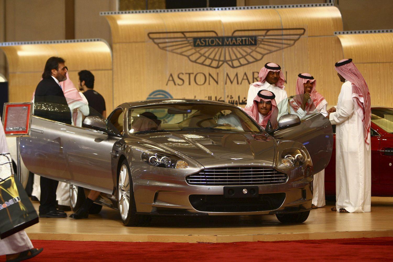 """""""Aston Martin"""" ruošiasi į biržą"""