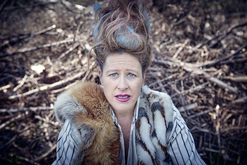 """Angela Wand (Švedija) pasirodys klounados performanse """"Sužeisti gyvūnai"""". NCS nuotr."""
