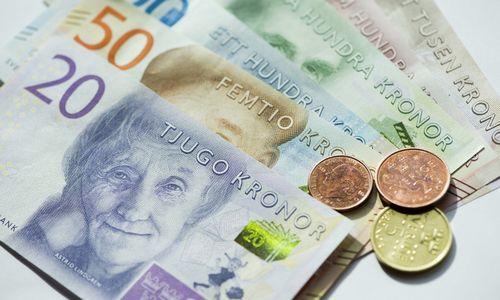 Švedijos bankams pirmą kartą nuo 2011 m. keisis pinigų kaina