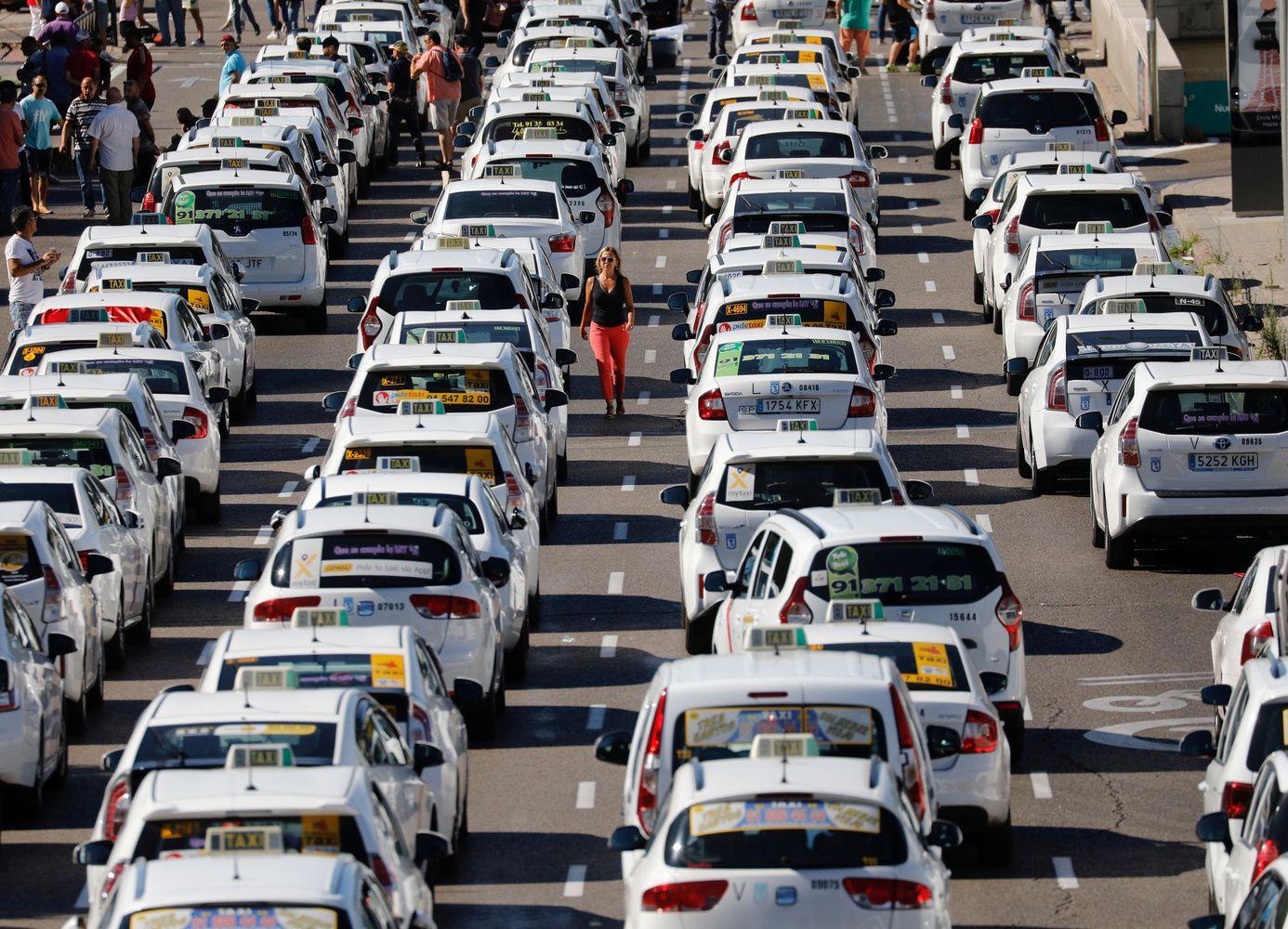 """""""Uber"""" Australijoje blokuos vartotojus, blogai įvertintus vairuotojų"""