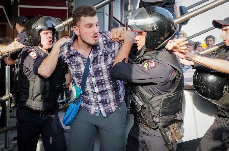 Daugelyje Rusijos miestų – protestai