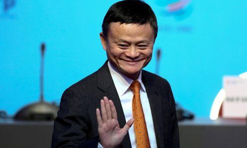 """Besitraukiantis """"Alibaba"""" įkūrėjas: reikia užleisti vietą jauniems lyderiams"""