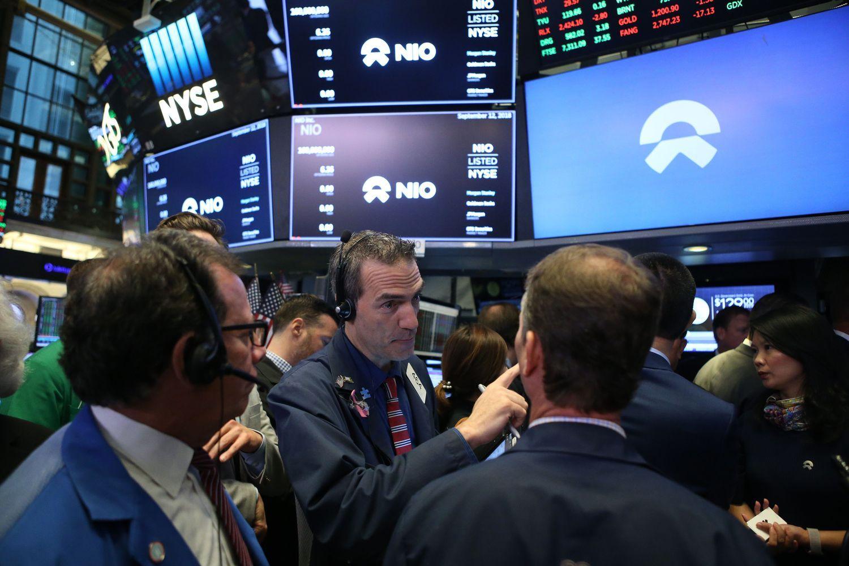 Stocks Rally, Dollar in Worst Week Since February: Markets Wrap