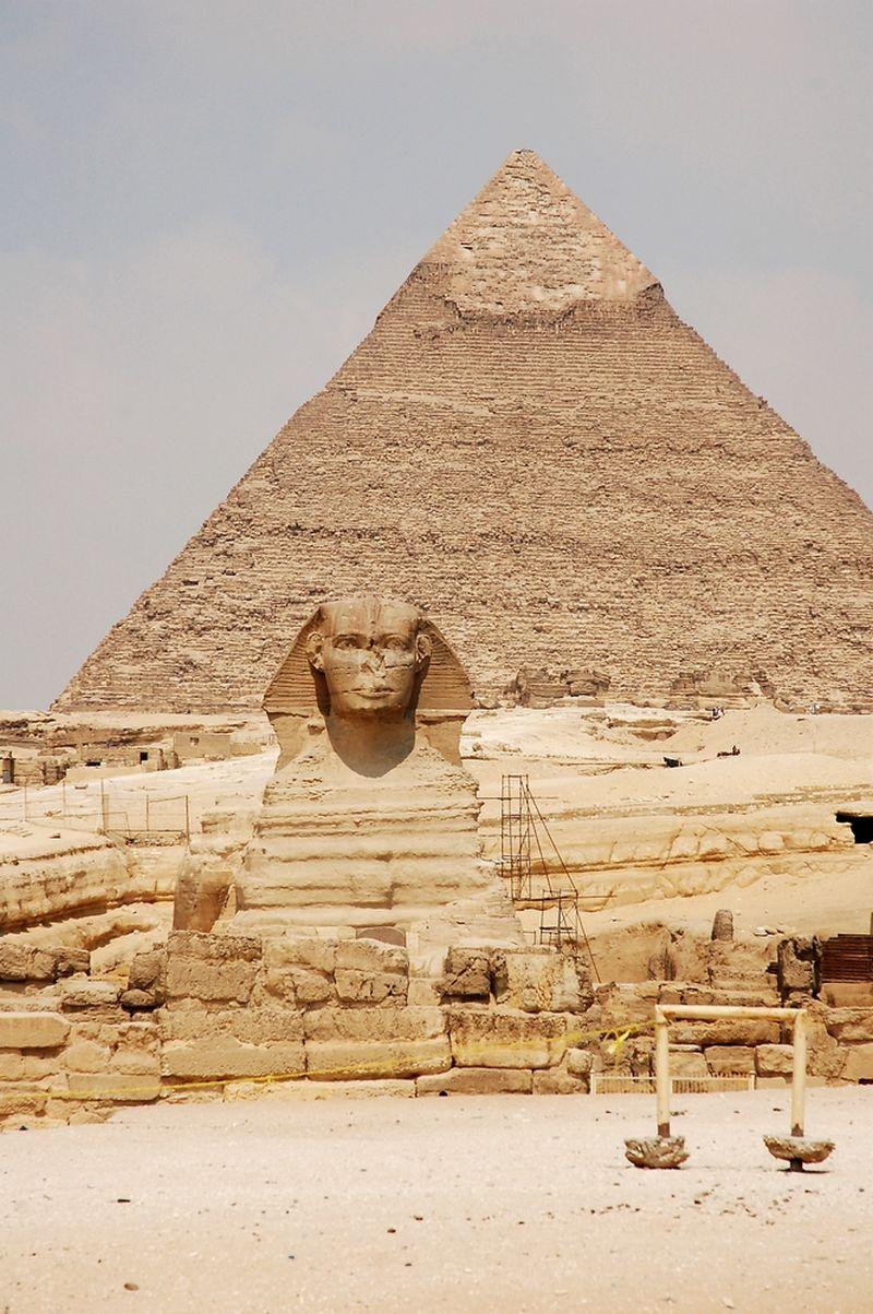 Egiptas. Piramidės Gizoje. Didysis sfinksas, fone - Chafro piramidė. Nijolės Talutytės nuotr.