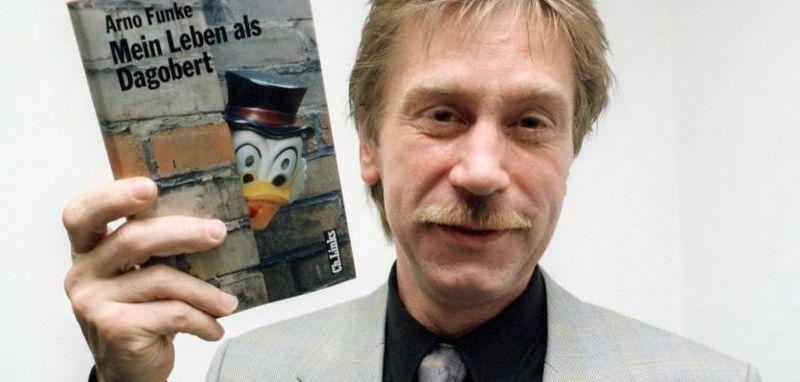"""2013 m. Arno Funke """"Dagobertas"""" išleido prisiminimų knygą apie savo """"nuotykius"""". www.welt.de nuotr."""
