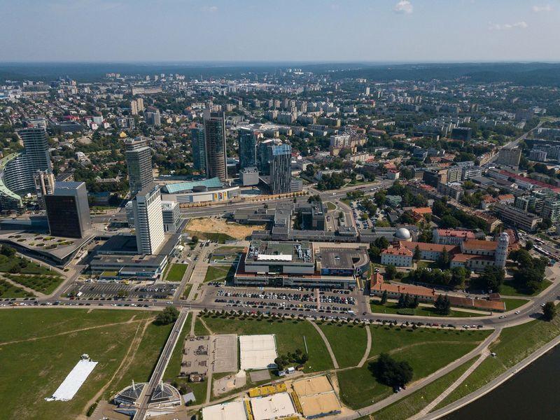 Vilniaus vaizdai iš paukščio skrydžio. Konstitucijos pr. Vladimiro Ivanovo (VŽ) nuotr.