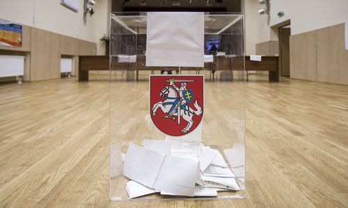 Rinkimų proga galėtų labiau paglostyti savivaldą