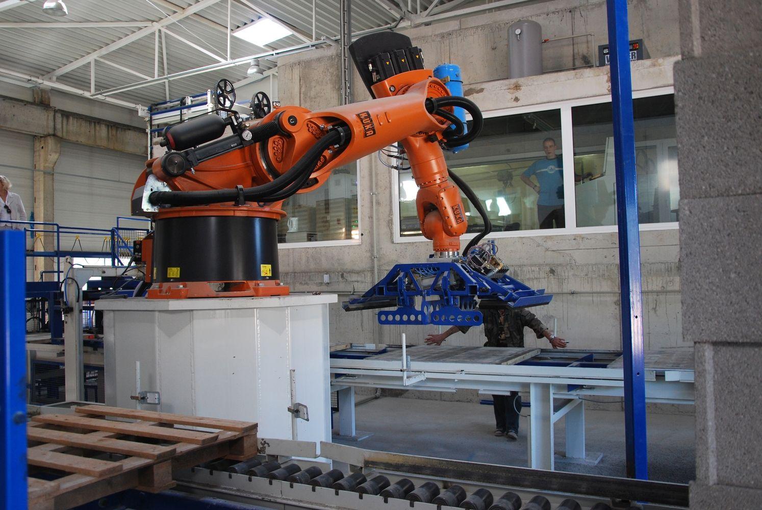 """""""Robotex"""": kompetencija išaugo tiek, kad taisome užsieniečių klaidas"""